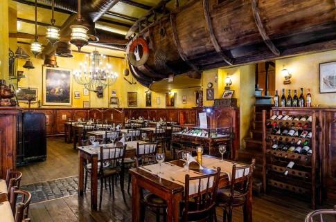 restaurant The Harbour_interior_mic