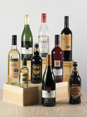 1_Fairtrade_wine_group_shot
