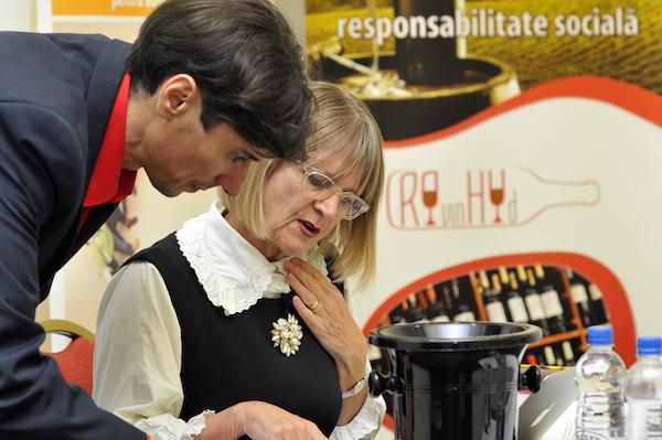La prima ediția a Salonului RoVinHud, experta internațională Jancis Robinson a descoperit vinurile românești