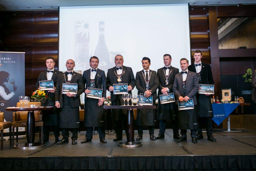 Participanții la concursul Trofeul Someleriei 2016
