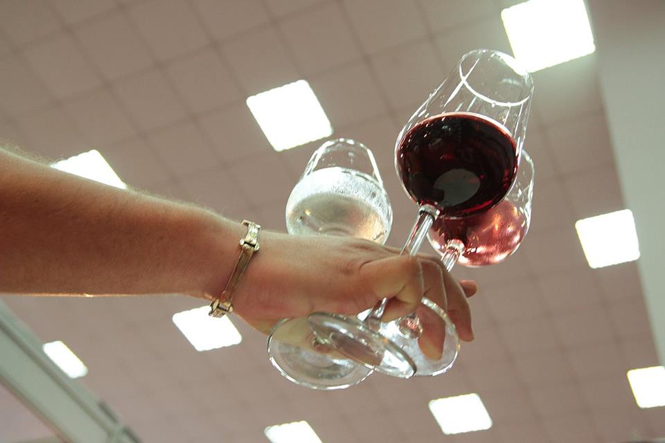 vinuri oprisor