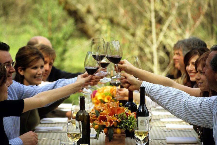 meadowood oameni cu vin