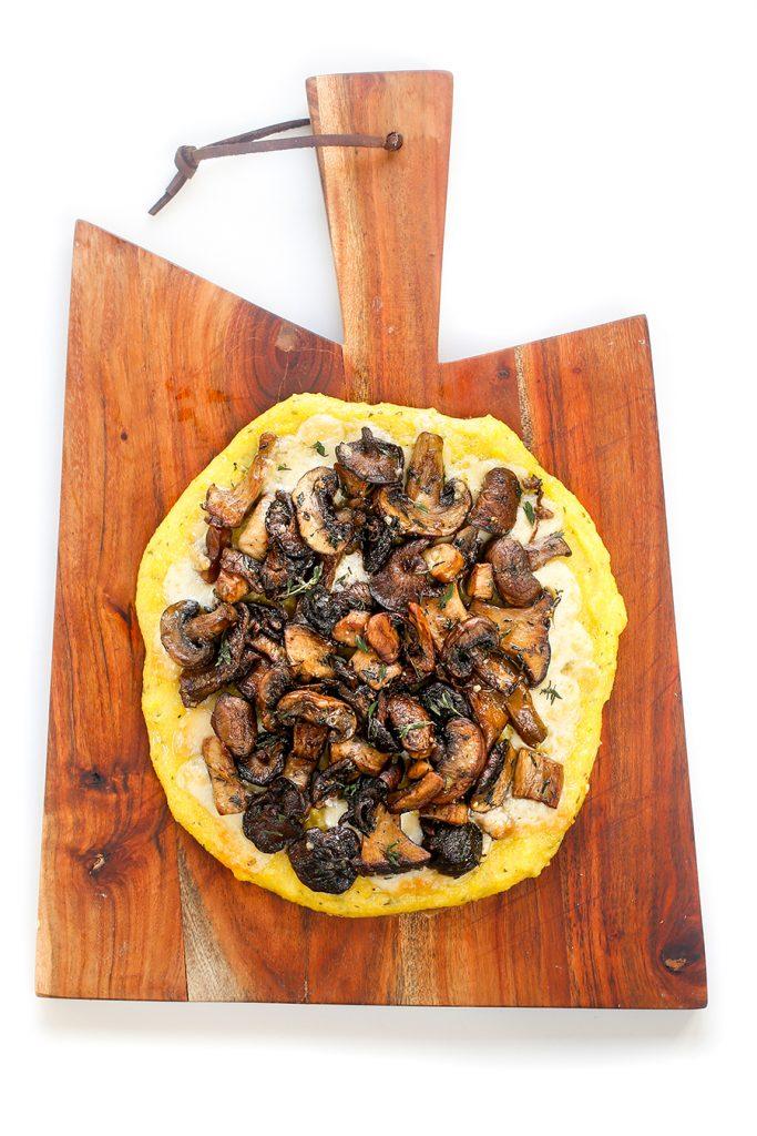 mamaliga cu ciuperci si ierburi aromatice, la cuptor+