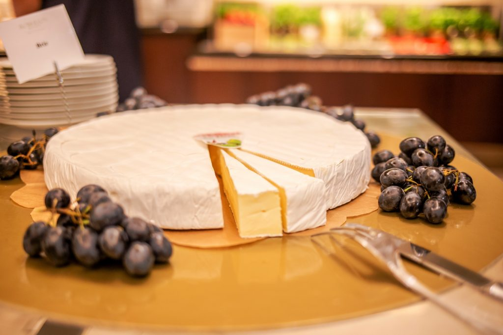 Hilton Brunch-cheese bar3