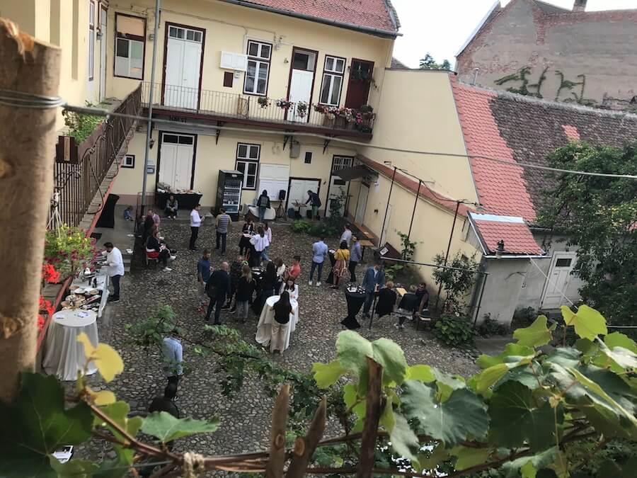 Curtea sibiană din Str Mitropoliei nr 28 a răsunat de muzică bună cu ocazia Gastro Urban