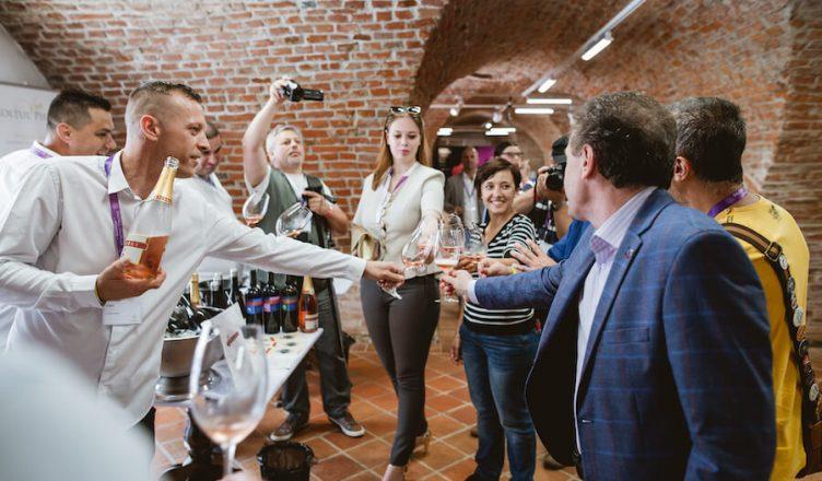Salonul vinurilor Millesime Oradea este un spațiu dedicat producătorilor, importatorilor și iubitorilor de vin
