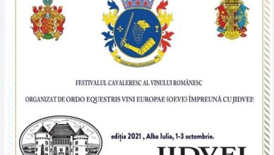 Festivalul cavaleresc al vinului românesc (1-3 octombrie 2021, Alba Iulia și Cetatea de Baltă) se circumscrie manifestărilor prilejuite de Ziua națională a gastronomiei și vinurilor din România